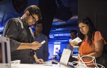 Global smartphone market hits 380million units in Q3