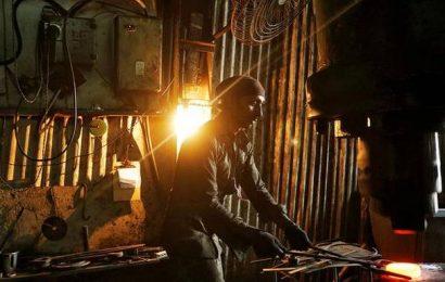 Manufacturing PMI improves