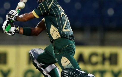 Buzz: Fawad back in Pakistan Test squad after decade