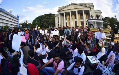 Students raise voice against 'repression' of protesters in New Delhi
