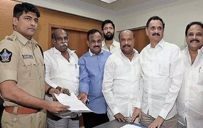 TDP leaders urge SP to lift cases against Ayyanna