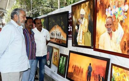 Painting exhibition at taxi stand