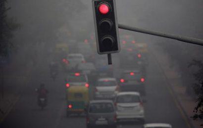 Dense fog shrouds Delhi; rail, air traffic affected