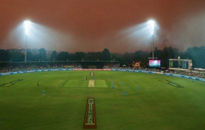 Bushfire crisis: Will the Sydney Test go up in smoke?