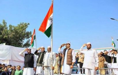 Gehlot, Pilot lead flag march on foundation day of Congress