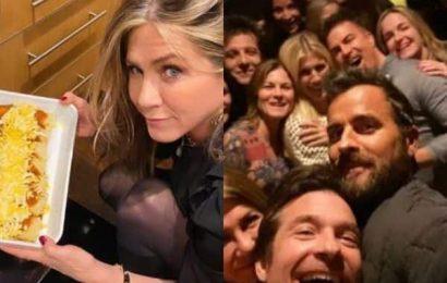 Jennifer Aniston celebrates Thanksgiving Day with ex-husband Justin Theroux; bakes enchiladas for Jimmy Kimmel | Bollywood Life