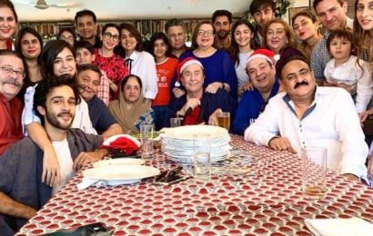 Alia Bhatt, Saif Ali Khan,Taimur Ali Khan join the Kapoors for their Christmas celebration and it is one Merry night no one can miss | Bollywood Life