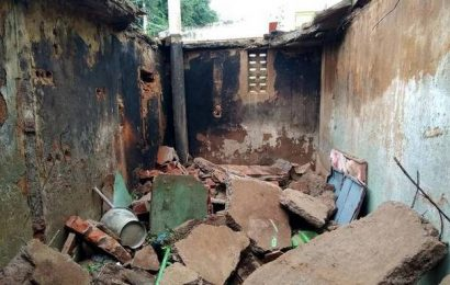 Three students injured in roof collapse in school