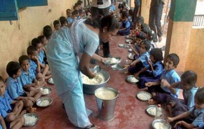 Students skip mid-day meals without onions in Karimnagar district of Telangana