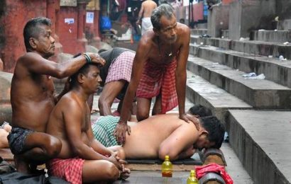 The mystic masseurs of Kolkata's Babu ghat