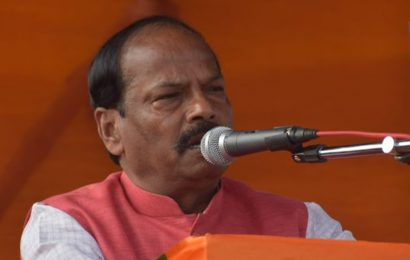 'Free to celebrate': Raghubar Das taunts Oppn as trends put JMM-Cong ahead
