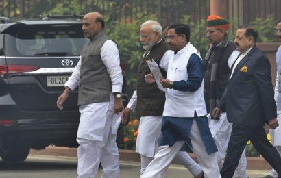At key BJP meet, PM Modi gets a standing ovation for citizenship bill