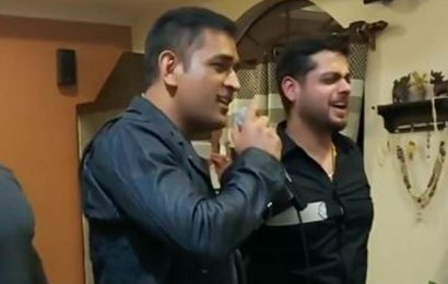 MS Dhoni sings old Bollywood song, video goes viral: Watch
