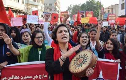 Pakistan: Police registers cases against organisers, participants of students march