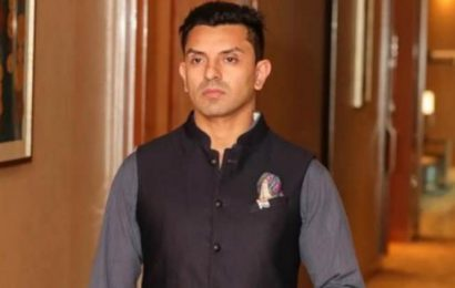 Tehseen Poonawalla files complaint against PM Modi for his 'clothes' remark