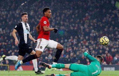 Tottenham, Man Utd bounce back into top four race as Chelsea falter again