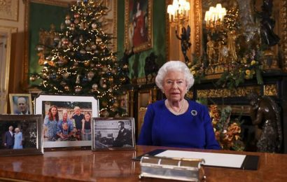 Queen Elizabeth calls on UK to reconcile in Christmas address