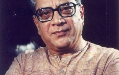 #RipShriramLagoo: Veteran stage and film actor cremated with full state honours | Bollywood Life
