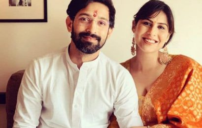 Vikrant Massey confirms engagement to onscreen wife Sheetal Thakur   Bollywood Life