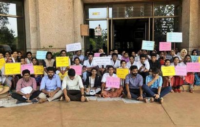 Pariyaram Medical College students go on indefinite strike