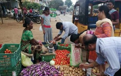 Consumers happy as onion price plummets in Chittoor district