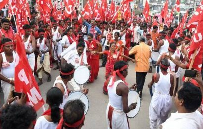 Red flags flutter in Seema as Left partyleaders protest against govt. policies