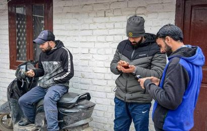 With VPNs, Kashmiris work around Net ban