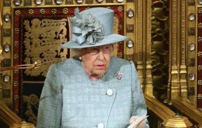 Brexit bill becomes law after receiving royal assent
