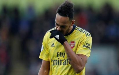 Premier League | 10-man Arsenal held by Palace as Aubameyang sees red