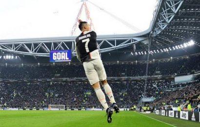 Ronaldo scores second-half hat-trick as Juventus thump Cagliari