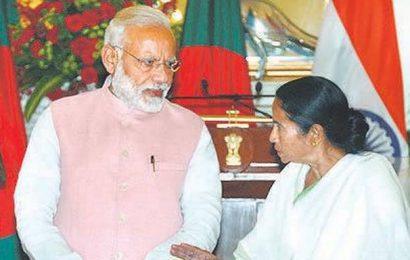 Amidst protests, PM Modi arrives in Kolkata for two-day visit