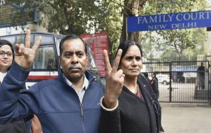 Nirbhaya's father welcomes President's decision to reject mercy plea of one convict