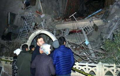8 dead, over 300 injured as earthquake rocks eastern Turkey