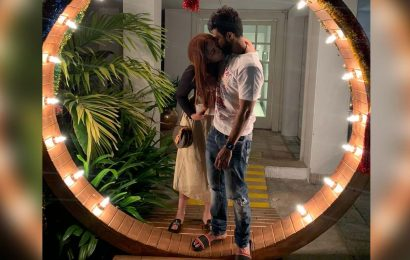 Vishnu Vishal kisses Jwala Gutta Vishnu Vishal kisses Jwala Gutta