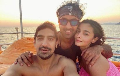 Alia Bhatt shares the perfect selfie with her best boys, Ranbir Kapoor and Ayan Mukerji, from their new year vacation | Bollywood Life
