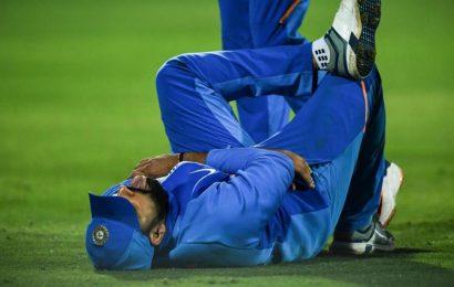 India vs Australia: Rohit hurts his left hand, taken off the field