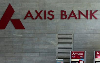 Two Indian banks to cease operations in Sri Lanka