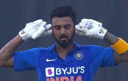 India vs Australia: Chinnaswamy crowd backs KL Rahul after chants of MS Dhoni erupt, Virat Kohli intervenes