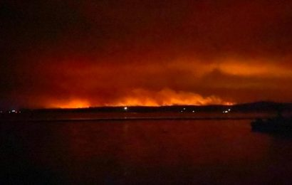 12 dead, several missing as Australia counts the cost of devastating bushfires