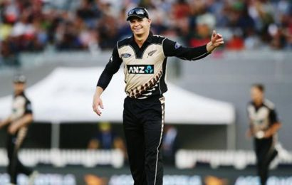 Glenn Phillips flown in as cover for sick Williamson and Nicholls