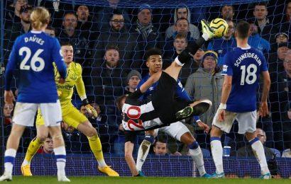 Newcastle, Arsenal grab draws, Aston Villa win on crazy night