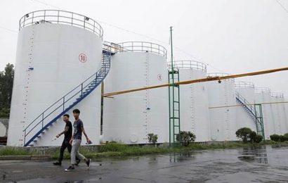 Oil slump deepens as China virus casts cloud over fuel demand, economy