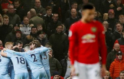 'Embarrassing' Manchester United suffer fresh woe, Spurs boost top four bid