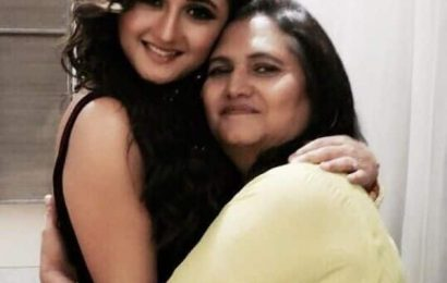 बिग बॉस 13: Rashami की मां रसीला देसाई का खुलासा, बोली- 'बिग बॉस में नहीं भेजना चाहती थी अपनी 'परी' को…'