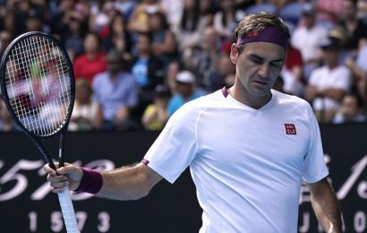 Australian Open Day 9: Roger Federer saves 7 MPs to reach semifinals