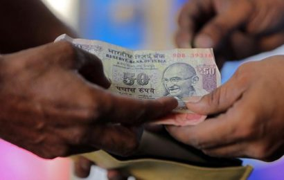 Rupee tanks 24 paise to 71.62 against US dollar in early trade on rising crude price