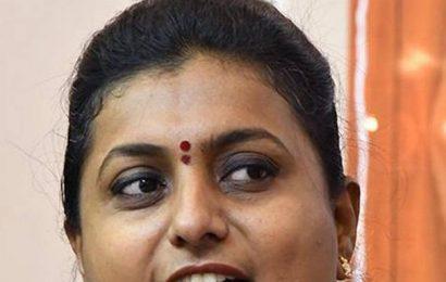 Chaitanya yatra: Roja lashes out at Naidu