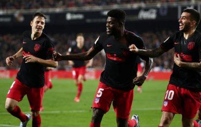 PHOTOS: Atletico held by Valencia in La Liga thriller