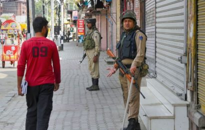 Rs 18,000 crore: Kashmir business losses since August 5