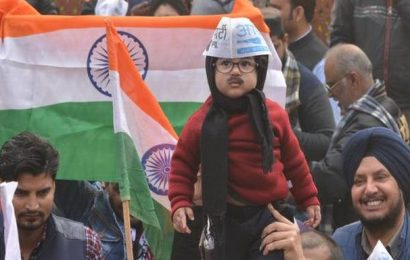 AAP invites 'Baby Mufflerman' to Arvind Kejriwal's oath-taking ceremony